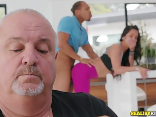 Teen gets fucked wide of a black dude with their way padre around