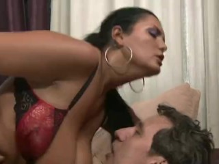 Chunky Latino mummy Makes parent To squeal With delectation Analdin 02.11.2017 sextube