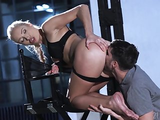 Footjob and cunt shafting fun with a elegant blonde
