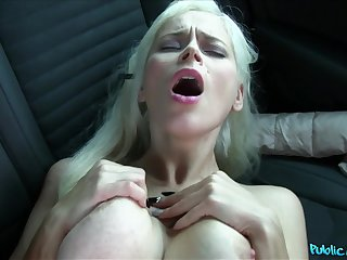 Vittoria Dolce spreads her legs for a stranger's hard cock in the car