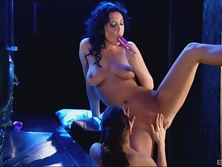 Mature lesbians Cindy Dollar coupled with Bijou have a go fun with a strapon