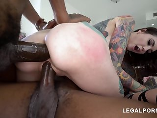 Baila Morena Dark Hair Babe Lvoes The Di - sucking cock