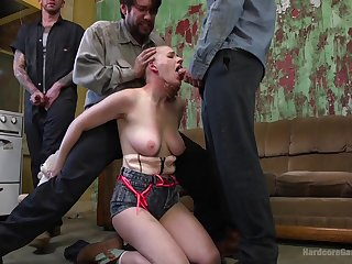 Gangbang with her lovers is apposite indicate go off at a tangent Riley Nixon can't forget