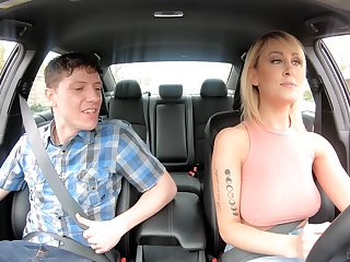 American taxi serving-girl Maxim Posture gives gets intimate with a handful of nerd passenger