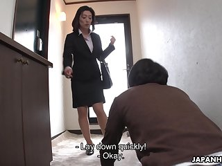 Japanese cougar Marina Matsumoto makes young guy lick will not hear of pussy sitting beyond everything his feature