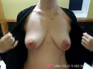 Vends-ta-culotte - French MILF Massaging her Pair within reach Home