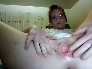 Slutty solo with wide roomy snatch