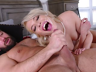 Pink-lipped beauty Tiffany Fox gets her sexual change for the better in a special way