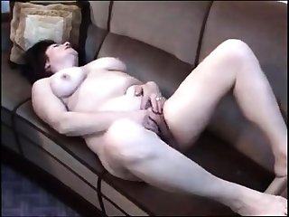 Busty pessimistic matured rubs the brush queasy cunt