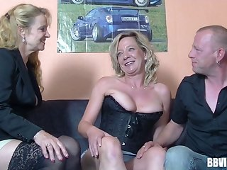 Pussy licking increased by dick sucking during FFM triumvirate with German sluts