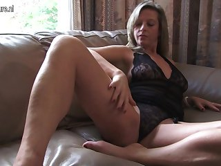 Hot Housewife Effectuation With Herself - MatureNL
