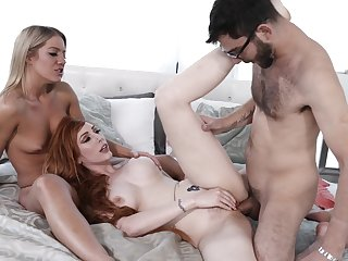 Threesome for the hot ladies stub they strip increased by blow