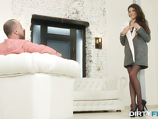Student escort girl pleases one rich chap and gets her anus rammed