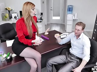 Lauren Phillips is a Choosy Boss!